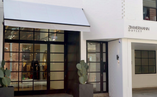 Storefront of Zimmermann outlet shopping in Melbourne
